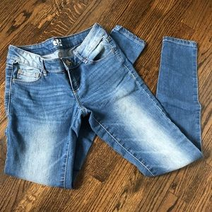GARAGE Low Rise Jegging Jeans